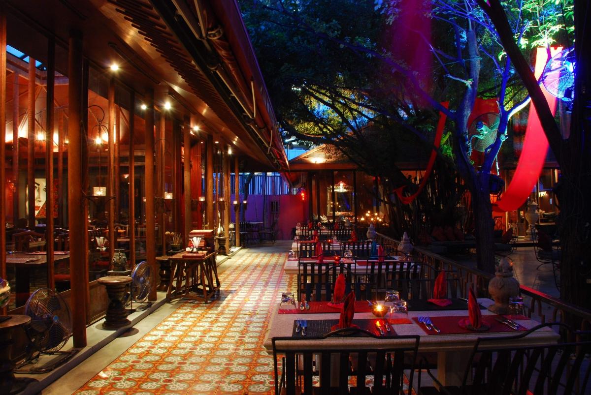 MahaNaga Indoor-outdoor